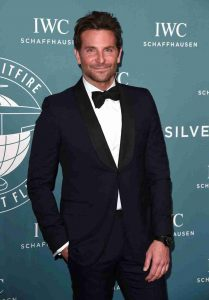 Bradley Cooper And His Unique Swiss IWC Big Pilot's 18-Carat Gold IW500923 Replica Watch At 2019 Oscars Ceremony